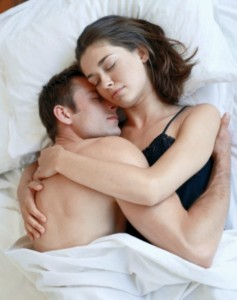w621_0120-couple-in-bed-snuggle-sm